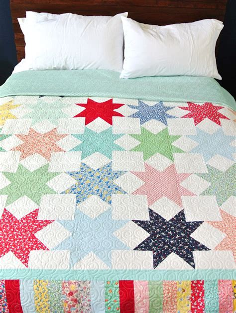 Reverse Sawtooth Star Quilt Pattern   Suzy Quilts
