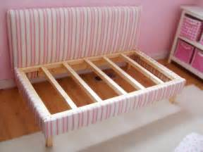 Diy Toddler Bed Diy Upholstered Toddler Daybed Hgtv