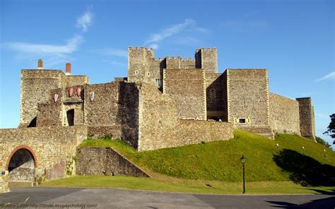 curtain wall castle panoramio photo of king s gate barbican inner curtain