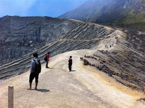 Senter Gunung mendaki ke kawah ijen spegasurabaya