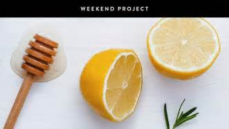 weekend project make your own honey and lemon mask it s great for neutralizing redness