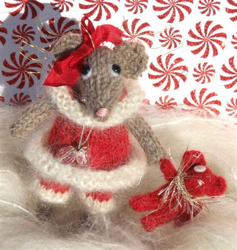pattern for christmas mice christmas mouse knit pattern