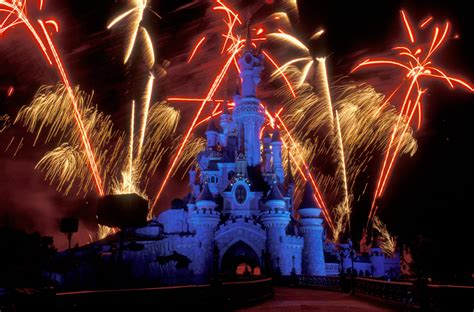 new year in disneyland happy new year beautiful fireworks 新年快樂煙火秀