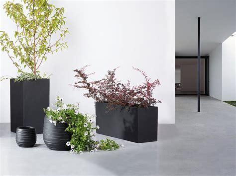 vasi in vetroresina da esterno vaso da fiori moderno in vetroresina nera da esterno
