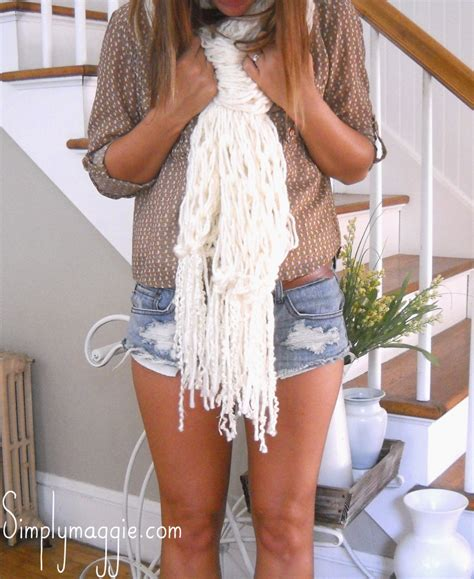 how to add tassels to a knitted scarf how to arm knit a fringe scarf in 30 minutes