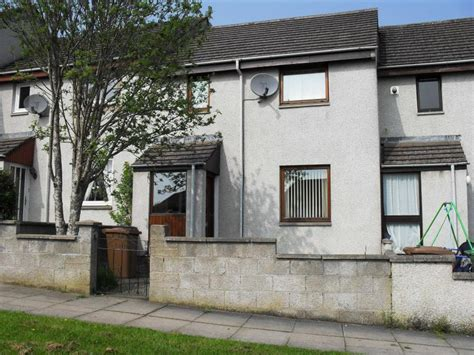 3 bedroom house inverness 3 bedroom house for sale in suilven way inverness iv3 iv3