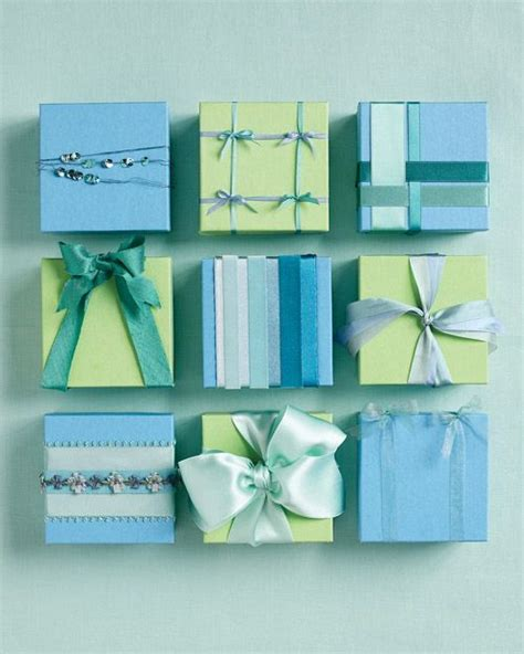 bows knots and wrapping on - Different Ways To Wrap Gifts