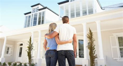 should we buy a bigger house 3 reasons active adult s delay moving into a new home blog