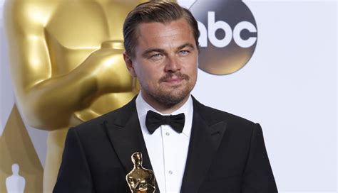 oscar best actor leonardo dicaprio wins his oscar for best actor