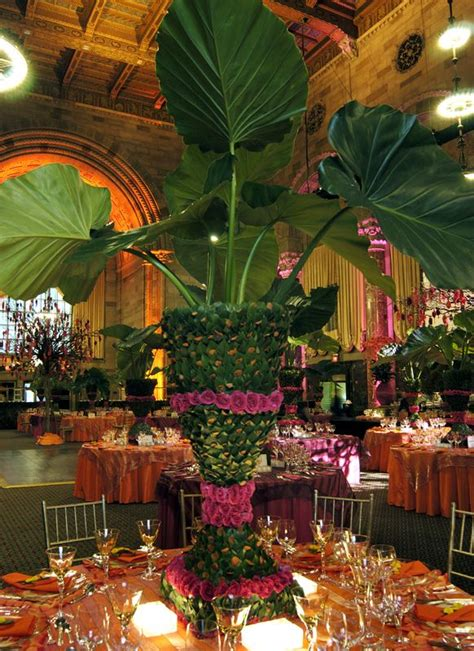 centerpiece for tropical paradise reception