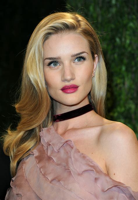 rosie huntington side parted lob rosie huntington whiteley long side part rosie