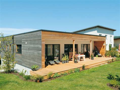 Haus Mit Holzfassade by Langlebige Und Sch 246 Ne Holzfassaden Aus L 228 Rche Oder