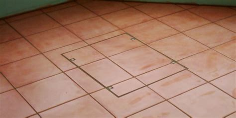 Joe Cornell, your tiling service in Addlestone   Inspection/Manhole Covers