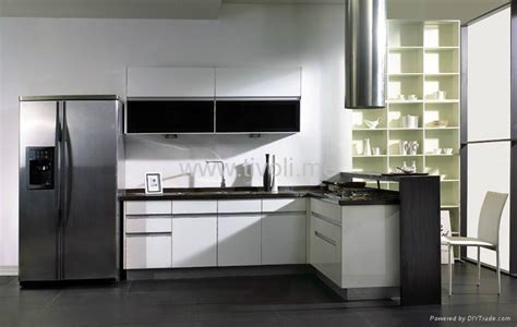 Kitchen Cabinets White Lacquered Glossy And Modern C Modern Kitchen Cabinet Materials