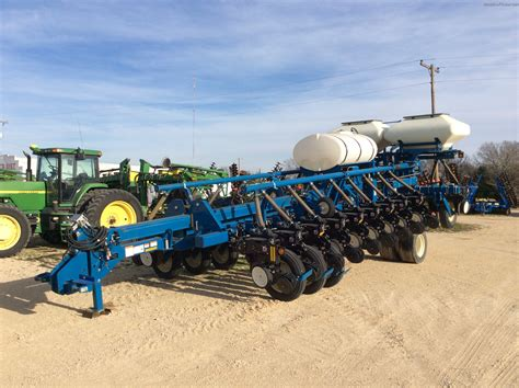 Kinze Planter by 2009 Kinze 3800 Planting Seeding Planters Deere