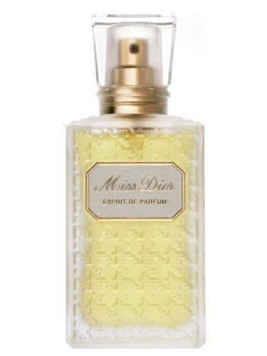 Parfum Miss miss esprit de parfum christian perfume a fragrance for 2011