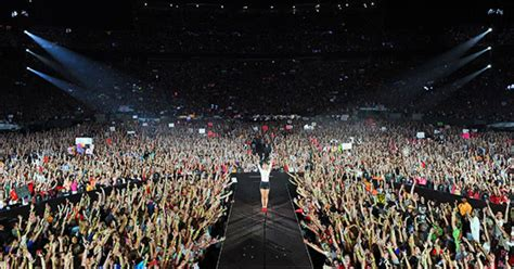 taylor swift concert list taylor swift leads rebounding concert business rolling stone