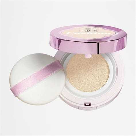 L Oreal Cushion Foundation l oreal magique cushion foundation porcelain
