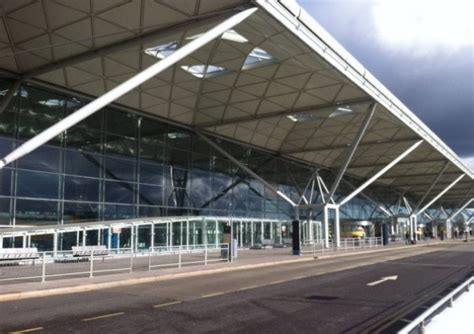 stansted motors stansted airport flights unaffected by fog great dunmow