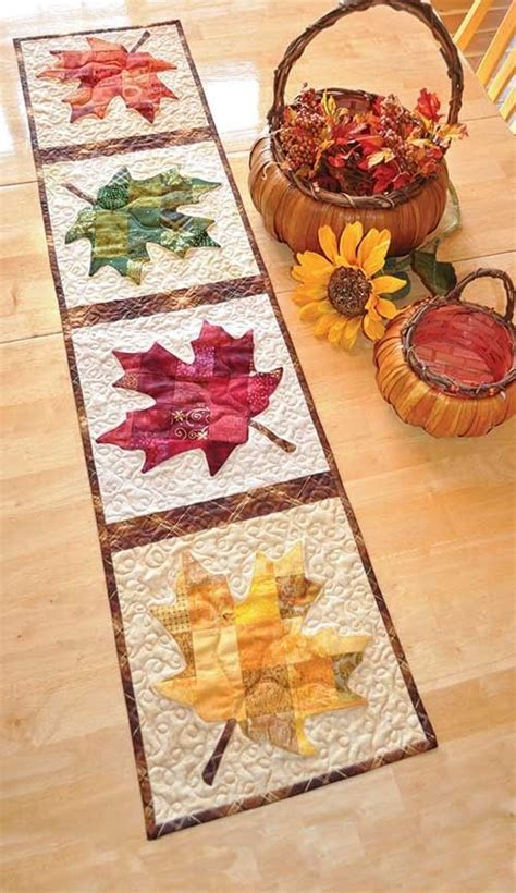 quilt pattern for table runner patchwork maple leaf table runner quilt pattern table