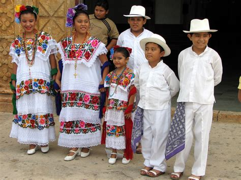 mayan children in traditional clothing the