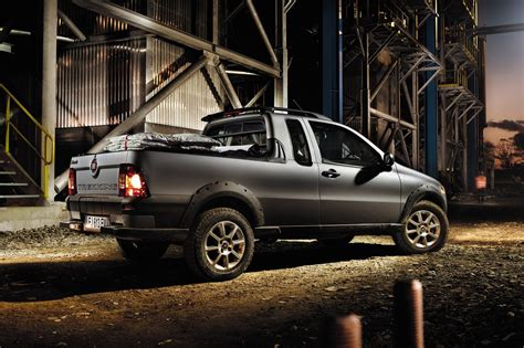 fiat strada fiat to introduce 2012 new strada small pickup truck