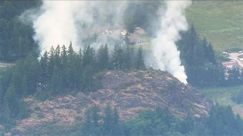 wildfire on the skagit smoky wildfire closes hwy 9 in skagit county komo