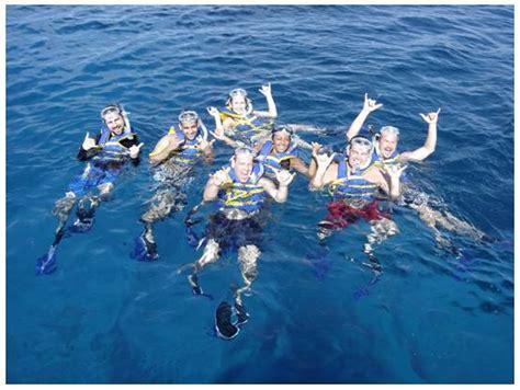 waikiki catamaran snorkeling excursion waikiki morning snorkel sail at turtle canyon from kewalo