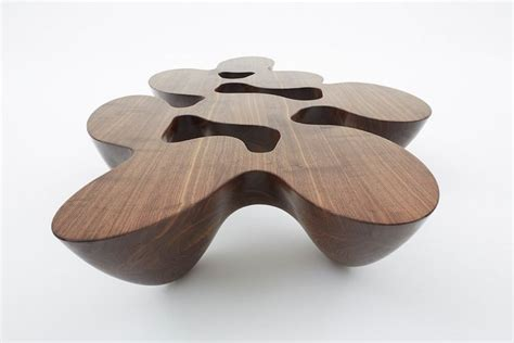 unique coffee table in organic and fluid form quark