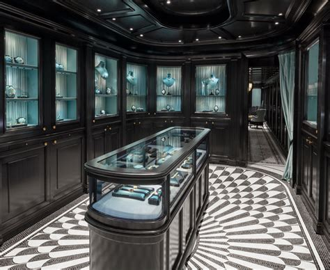 guccis  high jewelry collection tom lorenzo