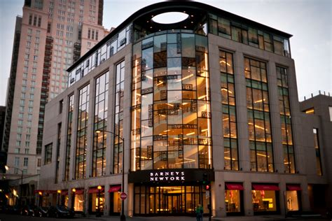 Buzz Lipstick Launches At Barneys In Chicago Meet Today Second City Style Fashion by Nochi Dankner Sells The Barney S Building In Chicago For