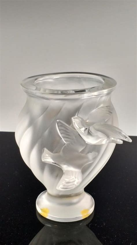 Lalique Dove Vase by 20th C Lalique Rosine Dove Vase