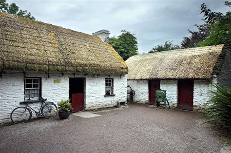 cottage irlandesi 17 best ideas about cottages ireland on
