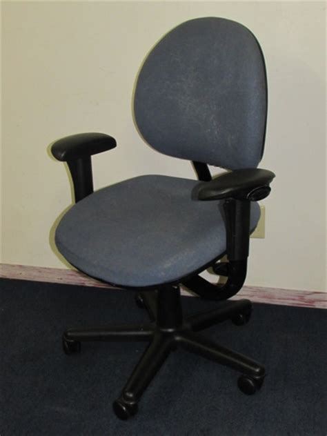 lot detail sturdy comfortable blue office chair