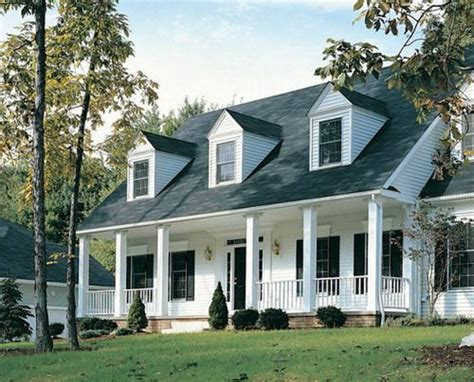white siding houses with black shutters white siding black shutters house ideas pinterest