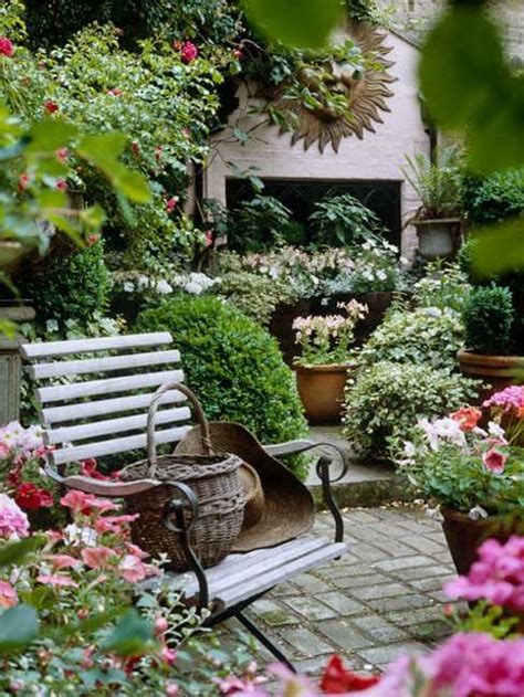 outdoor decorations ideas 25 beautiful backyard landscaping ideas and gorgeous