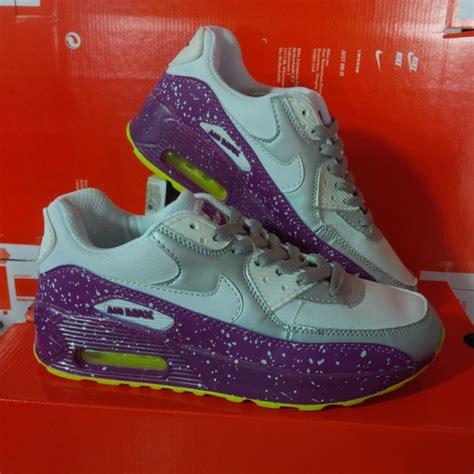 Harga Nike Terbaru daftar lengkap harga sepatu nike original terbaru april