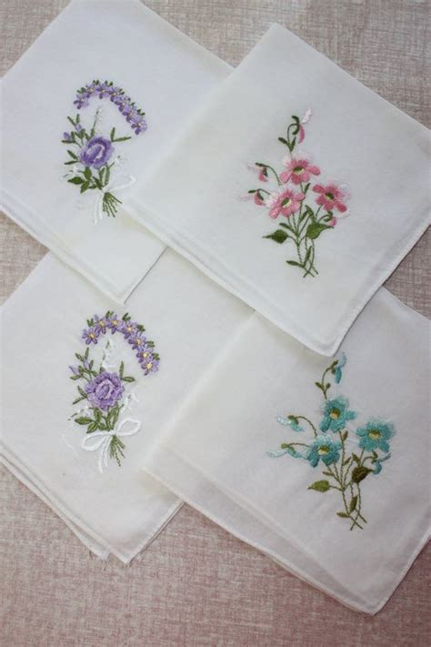 embroidery design handkerchief s media cache ak0 pinimg com 564x 33 41 80