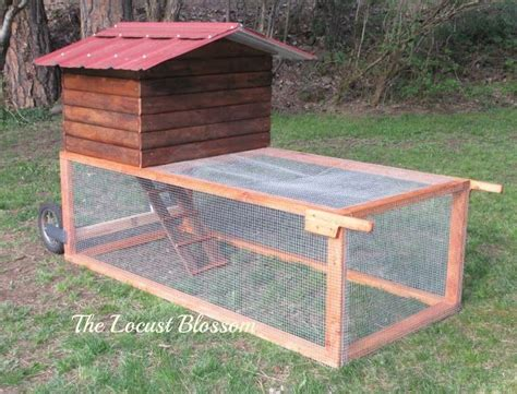 Backyard Chickens Chicken Tractor 1000 Ideas About Chicken Tractors On Coops
