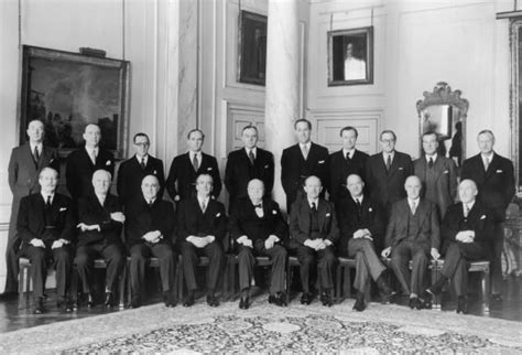 Winston Churchill Cabinet by File Churchillcabinet1955 Png Wikimedia Commons