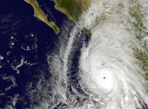 imagenes satelitales topes nubosos en tiempo real hurac 225 n patricia baja a categor 237 a 4 luego de tocar tierra