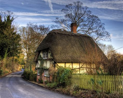 cottage in 18 gorgeous thatched cottages britain and