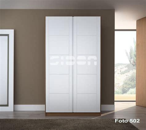 armarios sidon frente de armario puertas abatibles lacadas en blanco tv