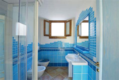 piastrelle bagno azzurre bagno piastrelle azzurre sweetwaterrescue