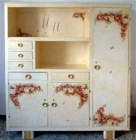 tutorial decoupage su mobili decoupage per arredamento e decorazione artistica su mobile
