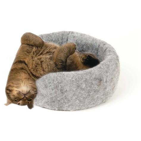 cat bed petmaker sleep and play cat bed with removable teepee top