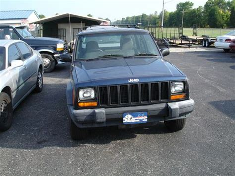 purchase   jeep cherokee country sport utility