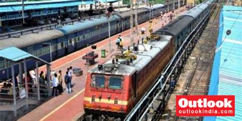 delhi to baraut train muslim family attacked forced to vacate seats on delhi