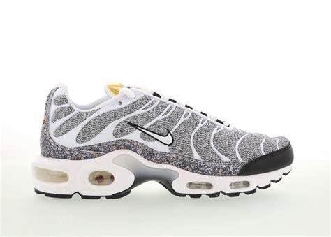 chaussures été femme chaussures running nike tuned 1 femme noir blanche acheter chaussures nike