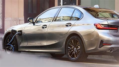 bmw  sedan plug  hybrid efficiency meets